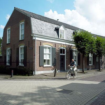Leunisdijk 1, Esch